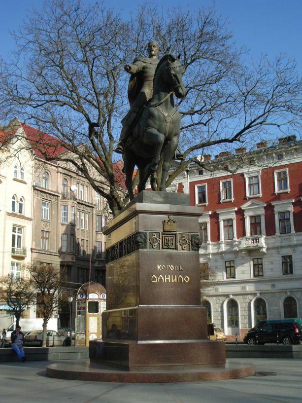 Das König–Danylo-Denkmal in Lemberg