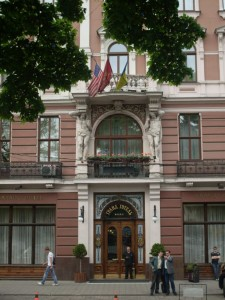SDC125693 225x300 Hotels mittlerer Stufe in Lemberg